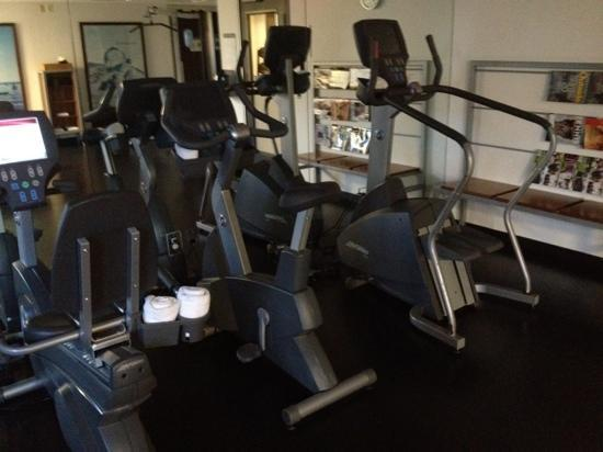 The Westin Colonnade Coral Gables: very small gym