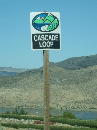 Cascade Loop: not many signs but had stop when we found one!