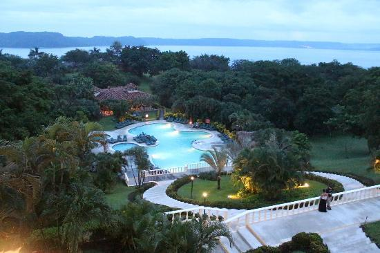 Occidental Grand Papagayo by Barcelo: vista desde el lobby