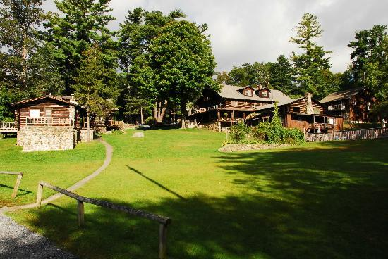 Alpine Village Resort: View of Alpine Village from Lake George