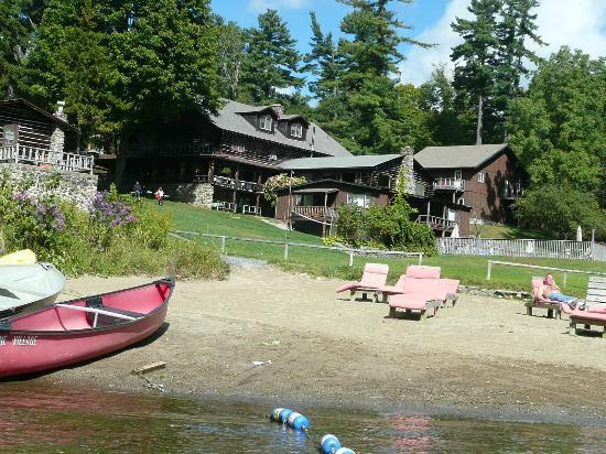 Alpine Village Resort: View of Alpine Village from rowboat