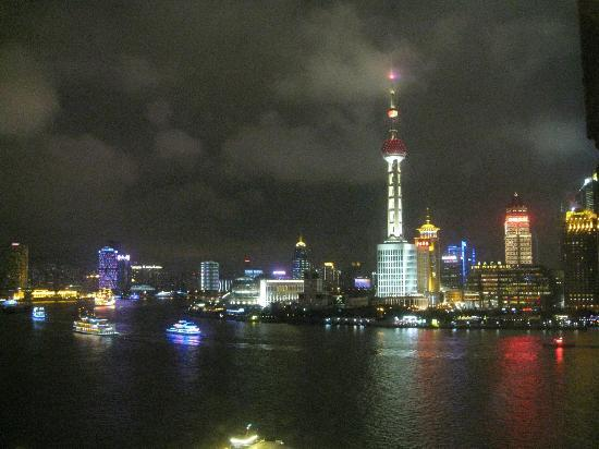 Les Suites Orient, Bund Shanghai : view from my room at night - 1105