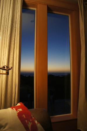 Wayside Lodge: Gorgeous Window and treatments frame the view