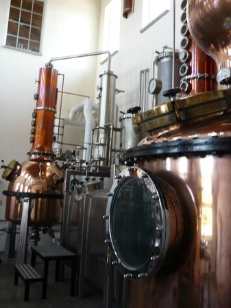 Caldwell, ID: Their distillery inside their building
