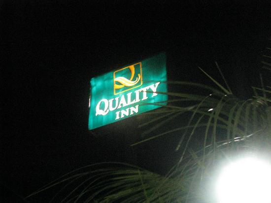 ‪‪Quality Inn‬: Quality Inn Sign‬