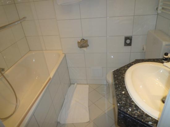 Günnewig Hotel Uebachs: Bathroom