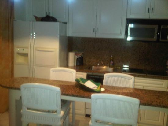 Sapphire Beach Club Resort: La cocina en la hab