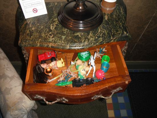 Farnsworth House Inn: Toys in the top drawer for Jeremy..Jenny Wade Room
