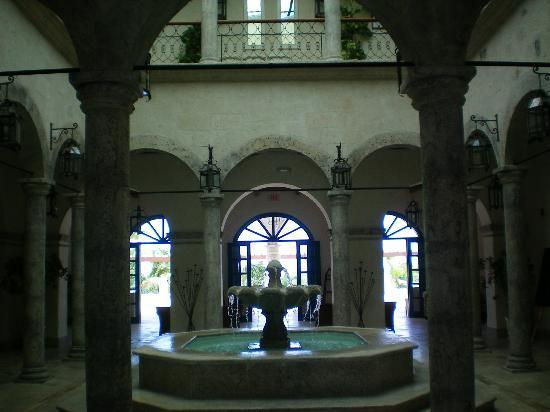 Sanctuary Cap Cana by AlSol: The beautiful colonial style lobby