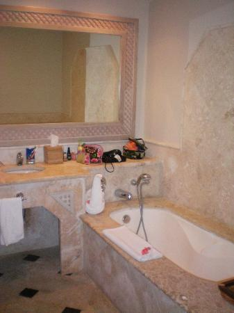 Sanctuary Cap Cana by AlSol: Our bathroom in Ocean View Suite