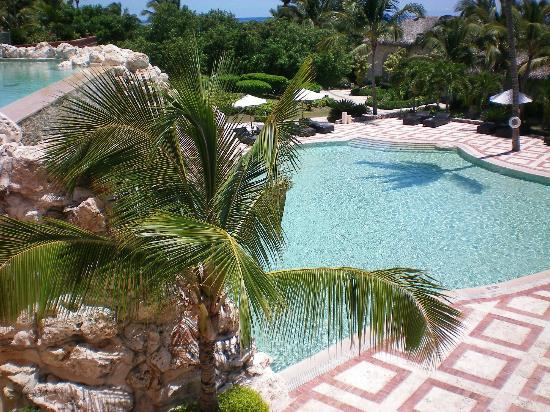 Sanctuary Cap Cana by AlSol: The waterfall pool