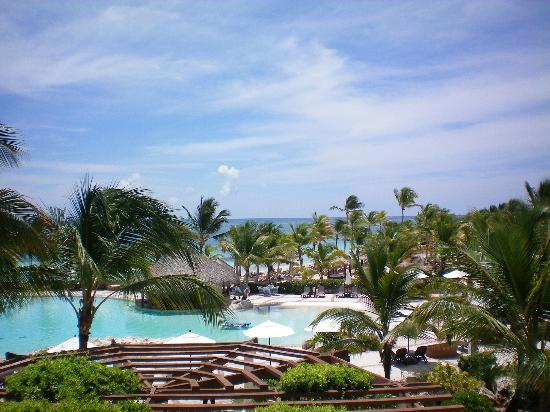Sanctuary Cap Cana by AlSol: The lush grounds