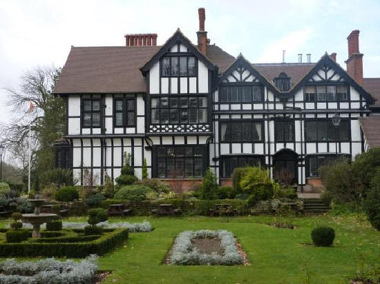 Watford, UK: The Manor