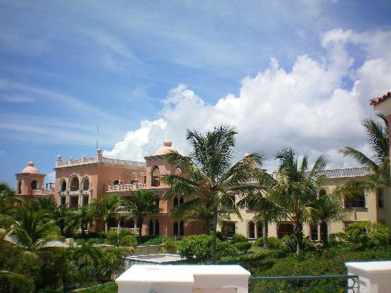 Sanctuary Cap Cana by AlSol: Buildings with Ocean view suites