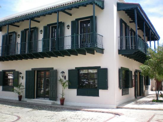 Sanctuary Cap Cana by AlSol: Building containing the Steakhouse