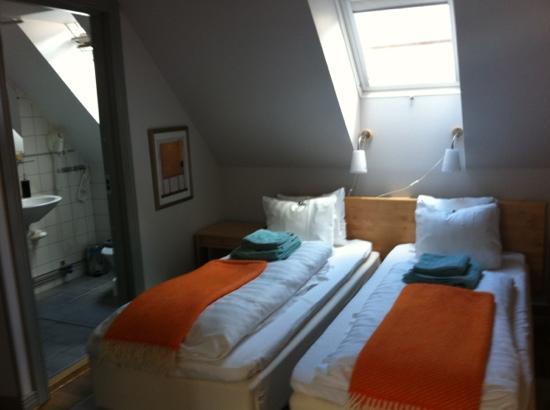 هوتل أوسكار: beds