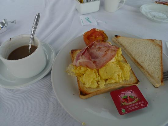 Scooby Doo Beach Bungalow: breakfast included
