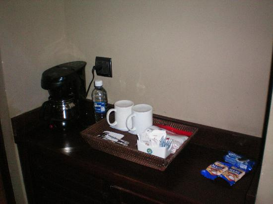 Catalonia Royal Bavaro: Coffee and Snack area in our Suite
