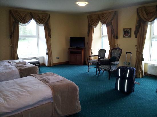 Corbett Court Hotel: Quaint, large rooms.