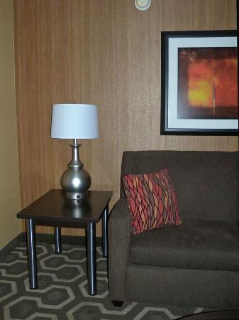 Holiday Inn Express Hotel & Suites: Sofa bed