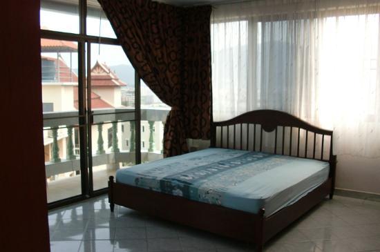 Green Papaya Apartments : Penthouse