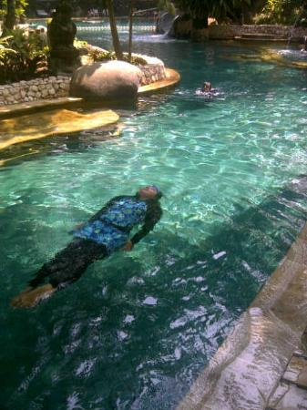 Aryaduta Lippo Village: Swim @Aryaduta Country Club