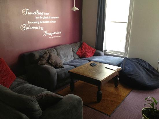 Ponsonby Backpackers: Cosy living room