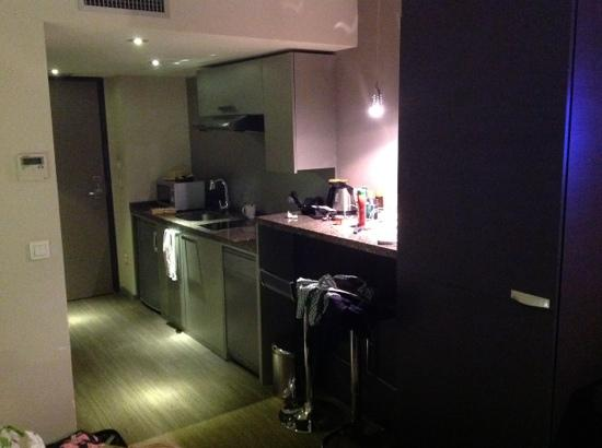 Privilege Appart-Hotel Clement Ader: kitchenette