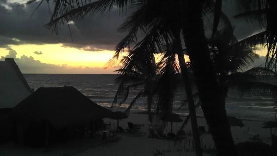 Amelie Tulum: Amazing sunsets