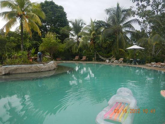 Popa Paradise Beach Resort: Ahhhhh pool.