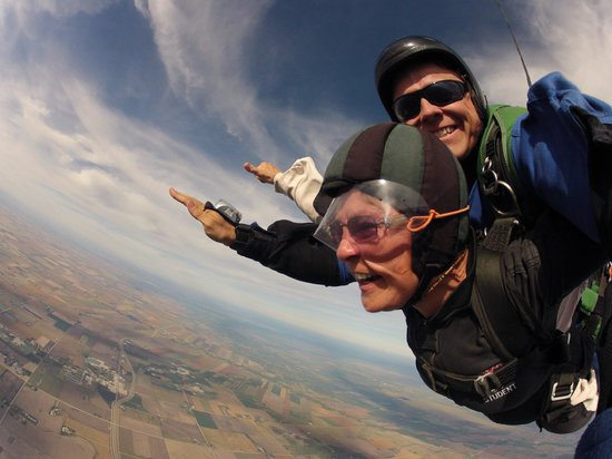 Adventure Skydiving: the free fall