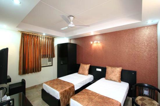 Hotel Jeniffer Inn : Twin Room