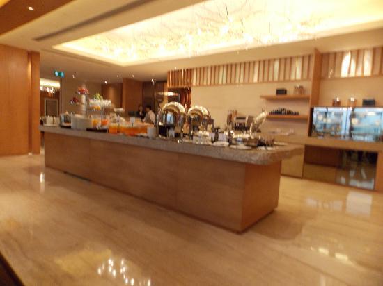 Hotel Okura Macau: Club Level Buffet