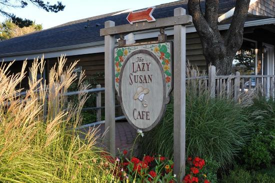 Lazy Susan Cafe: Signage on main street