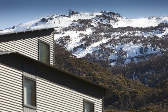 Snow Stream Apartments: View of Ramshead Range from Snow Stream