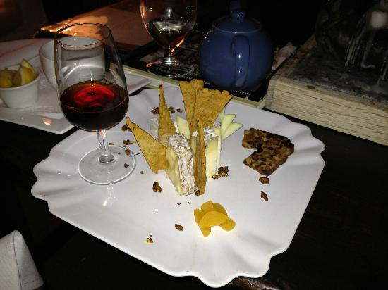 Sooke Harbour House: cheese plate!