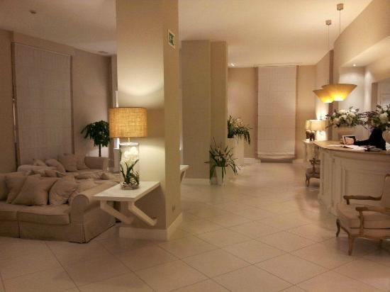 Hotel Capri: Hall