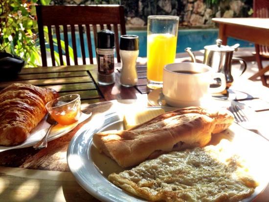 Hôtel Belle-Vue : petit déjeuner complet