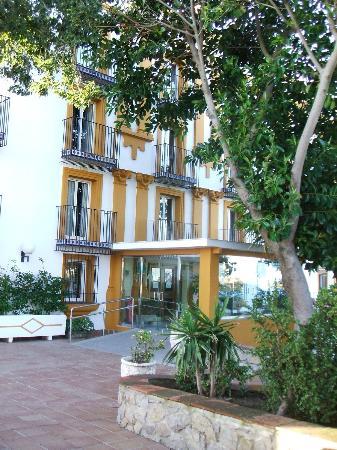 Hotel Escuela Fuentemar: Entrada al hotel .