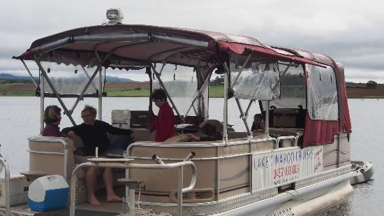 Lake Tinaroo Cruises: Lake Tinaroo Cruise with Tracy