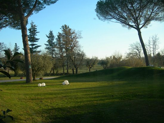 Terme di Saturnia Spa & Golf Resort: Giardino