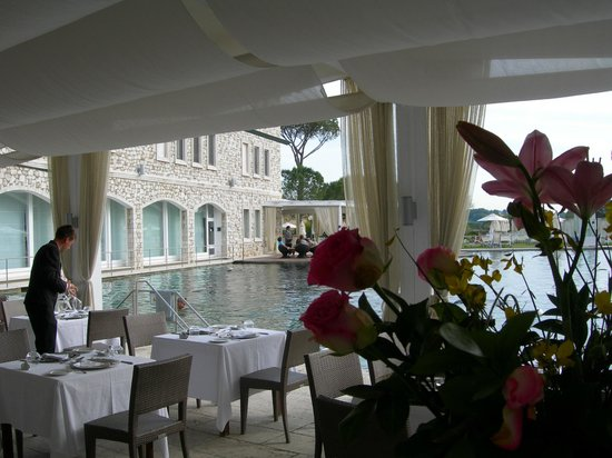 Terme di Saturnia Spa & Golf Resort: Veduta dal tavolo
