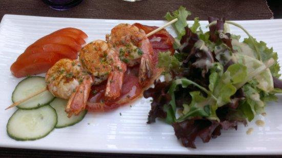 La Forge : king prawns on serano ham