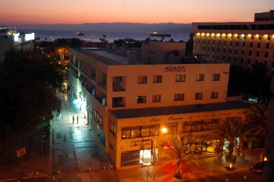 Aqua Vista Hotel & Suites