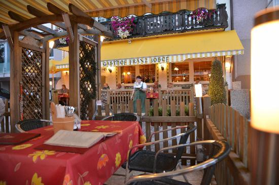 Gasthof Franz Josef: オープン席より見た店舗