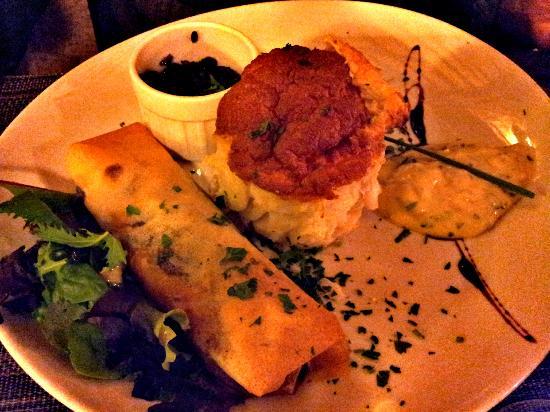 Auberge des Bouviers: soufflé au poisson, nem de legumes