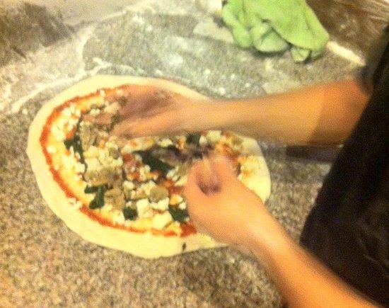 Le Pecore Nere: Ferrari Pizza: mushrooms, sausage, truffle e spinach.