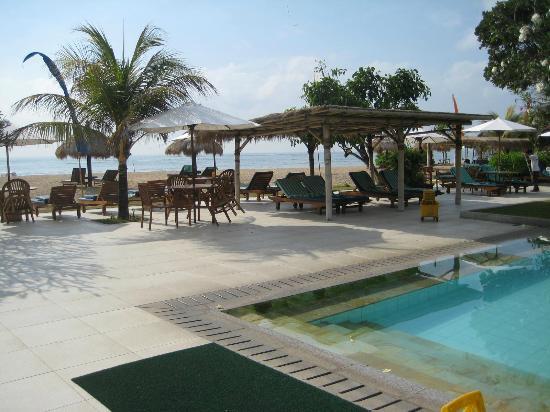 Peninsula Beach Resort Tanjung Benoa: View to ocean