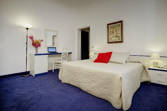 Hotel Dante: Camera doppia con angolo cottura