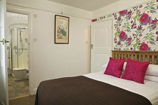 The George Inn, Blackawton: Room 4 - double ensuite